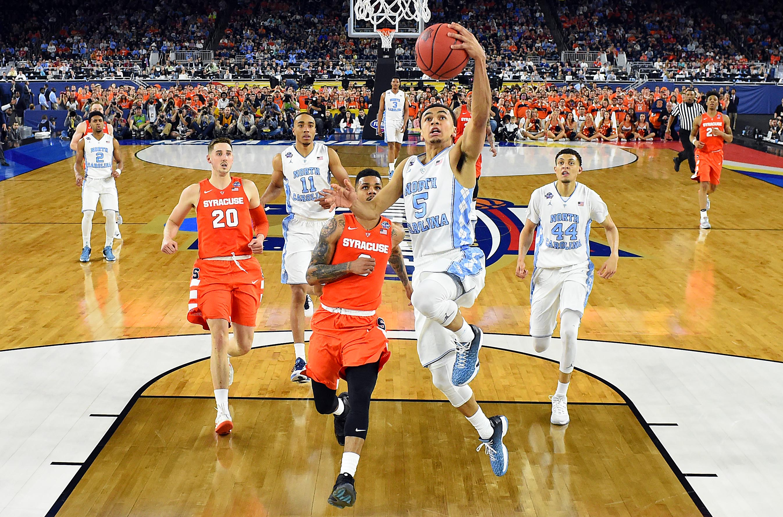 North Carolina, Villanova roll into title game