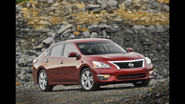 nissan to recall 3 5 million cars to fix airbag sensor. Black Bedroom Furniture Sets. Home Design Ideas