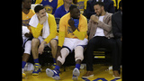 Curry rehabbing right knee several times a day to get back