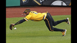 Pirates make 4 errors, 6-game win streak ends, fall to Reds