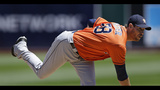 Altuve homers to back Fister in Astros' 2-1 win over A's