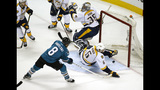 Pavelski leads Sharks to playoff wins in year 1 as captain