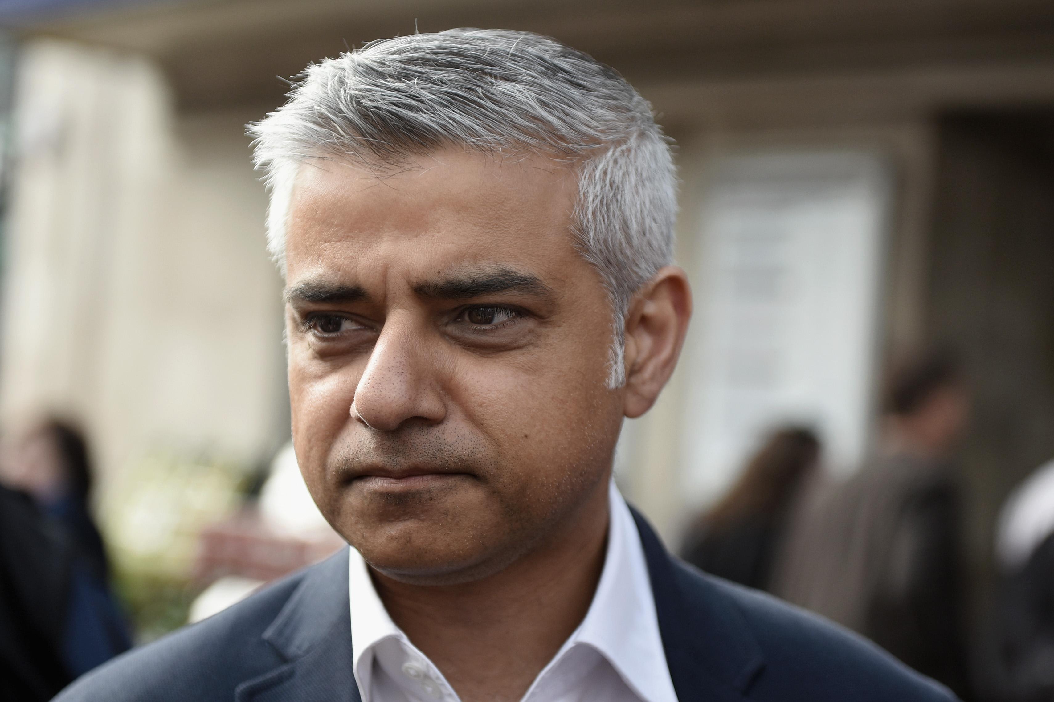 Trump challenges London mayor Sadiq Khan to IQ test ... Sadiq Khan