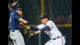 Braun, Villar homer to help Brewers complete 3-game sweep