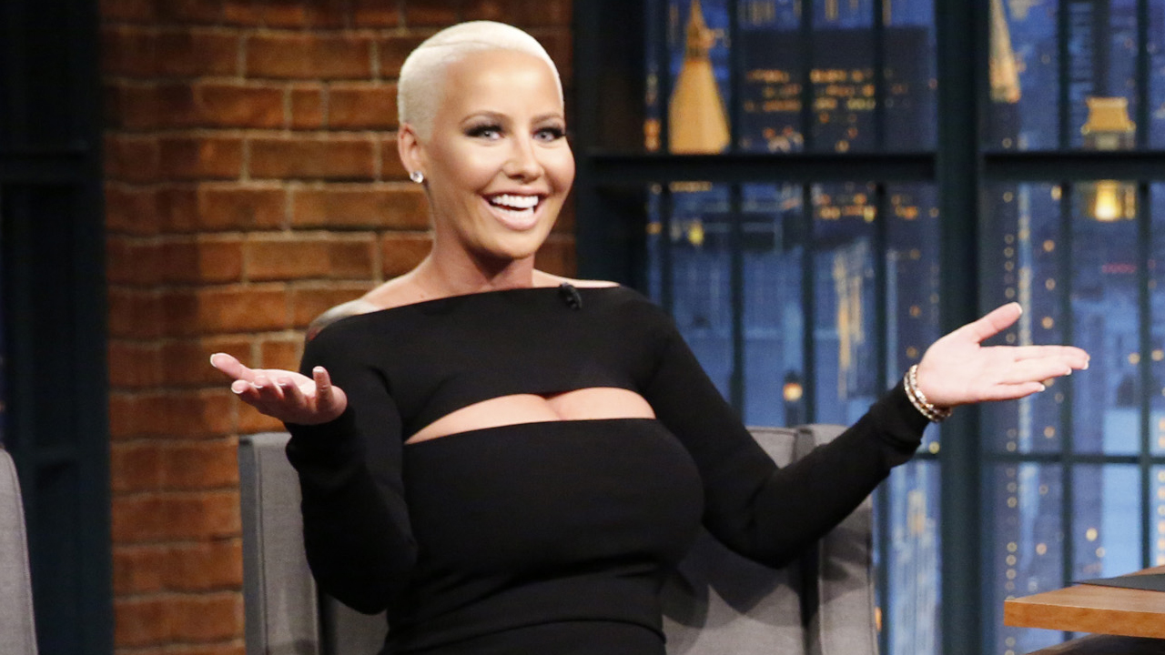 amber rose says twerking for her 3 year old. Black Bedroom Furniture Sets. Home Design Ideas