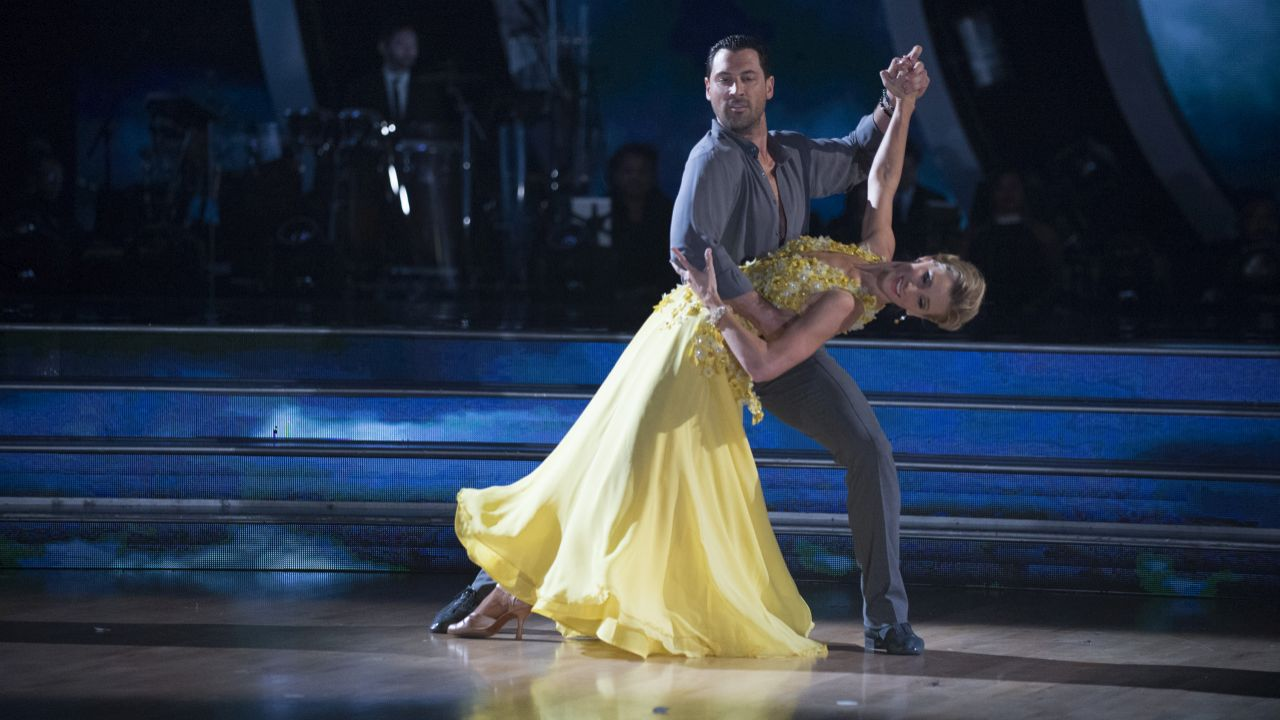 Blue apron elvis duran -  Dancing With The Stars Season 24 Premiere Best Lifts Kicks Tricks And Flips Ktvb Com
