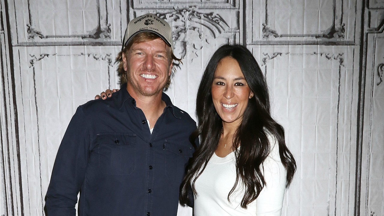 39 fixer upper 39 star joanna gaines shuts down for Is joanna gaines really leaving fixer upper