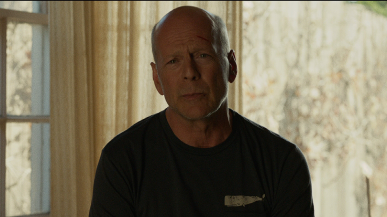 bruce willis Bruce willis celebrity profile - check out the latest bruce willis photo gallery, biography, pics, pictures, interviews, news, forums and blogs at rotten tomatoes.