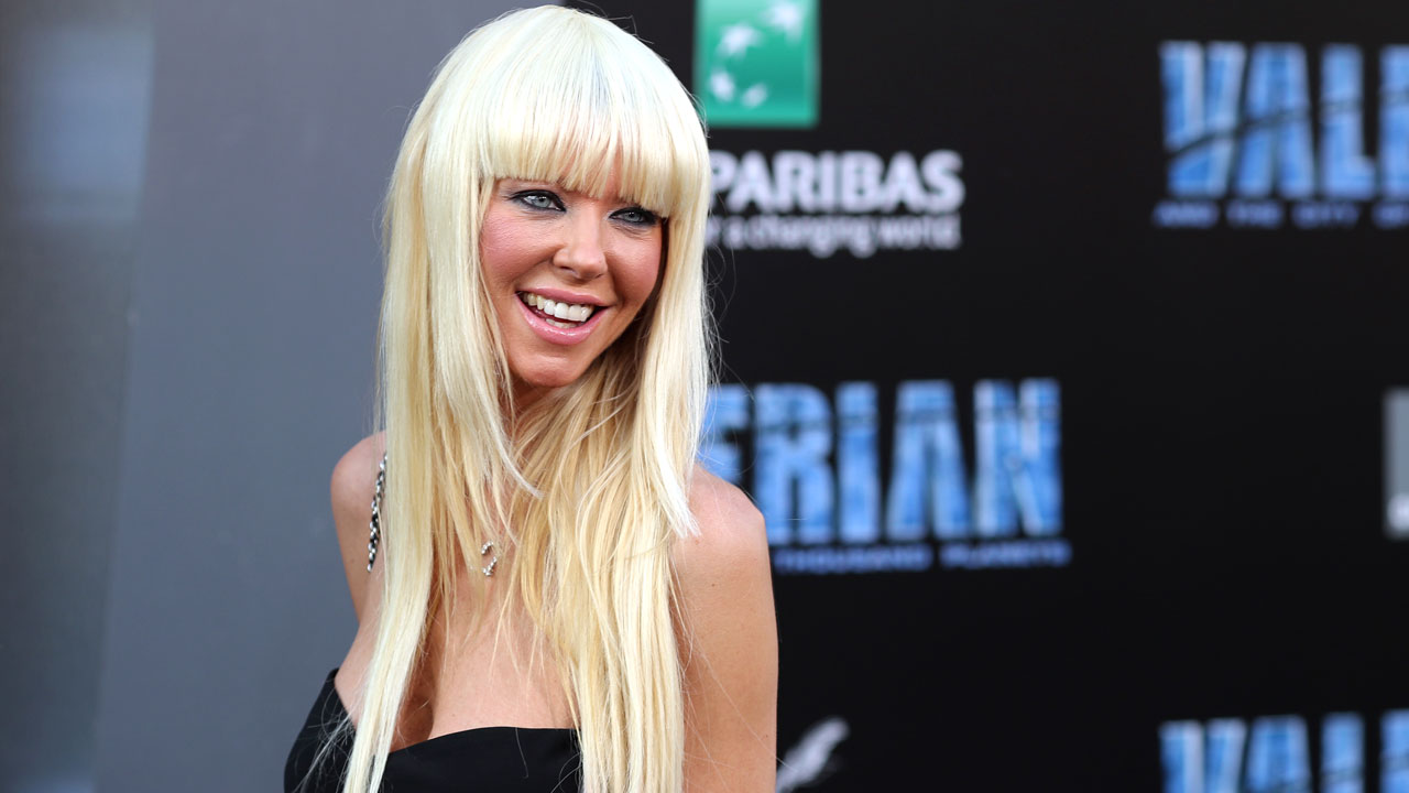 Tara Reid Hits Red Carpet With A Whole New Look See Her Striking Do Wkyc Com