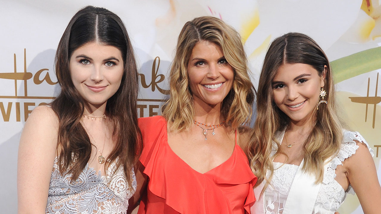 Lori Loughlin Hits The Red Carpet With Look-Alike