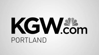 Fire closes streets in Northwest Portland near Steel Bridge